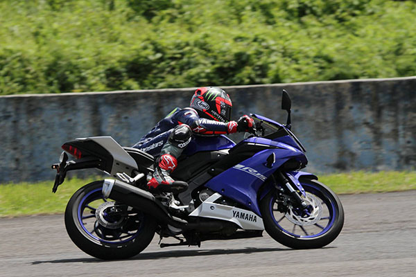 Maverick Vinales Riding R15 2017 di Sentul