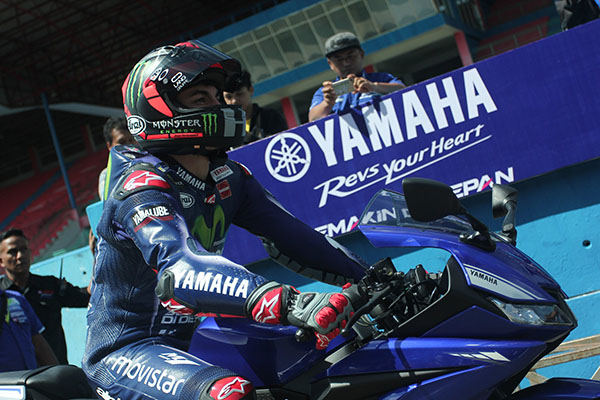 Maverick Vinales-New R15 2017