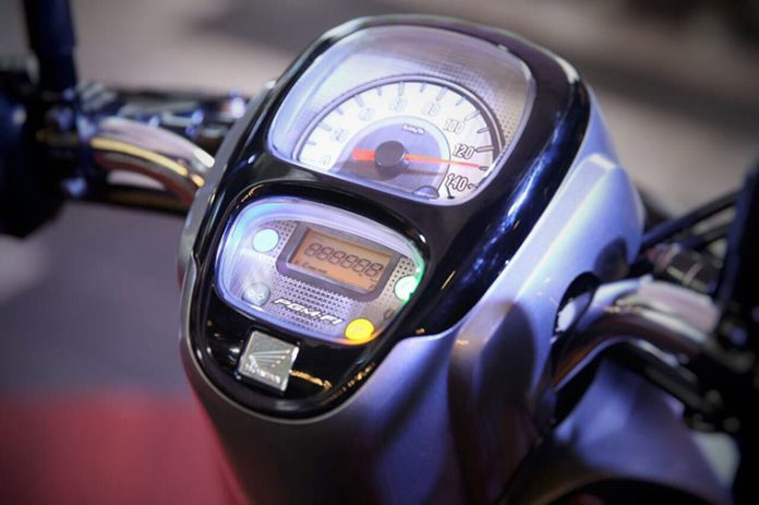 Fitur All New Scoopy 2017 Speedo Kombinasi Digital