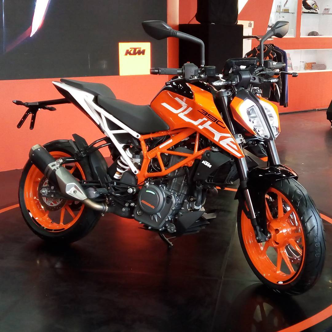 ktm duke 250 390 model year 2017 meluncur di indonesia blogotive. Black Bedroom Furniture Sets. Home Design Ideas