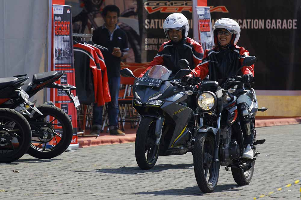 Lady bikers test ride Verza terbaru dalam CB150 Verza Saturdayride